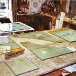 Colocació i segellat del vidre de proteccio dels vitralls