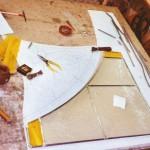 Confecció d'un dels plafons  de la claraboia